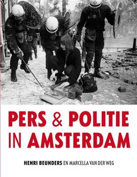 POLITIE EN PERS IN AMSTERDAM
